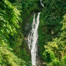Большой водопад и маленький мандир Шивы