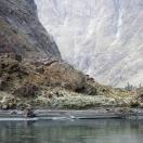Афганское пограничное укрепление на берегу Пянджа