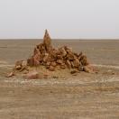 Странный монумент среди пустыни