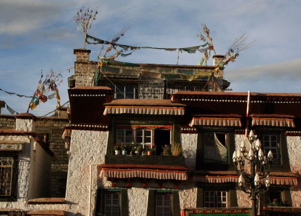 Дома на одной из улочек Баркора