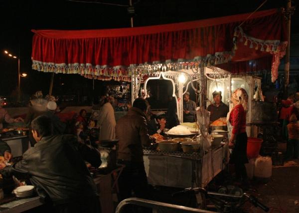 Ночной рынок в Хотане