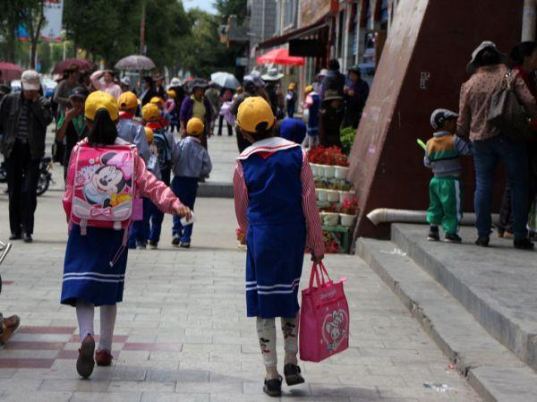 Школьники Лхасы